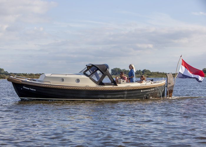 Sloep huren en varen over de Friese meren